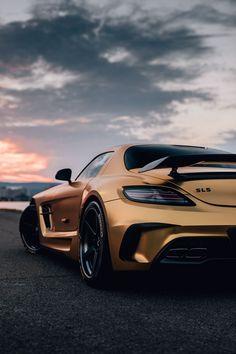 Fierce look: This Mercedes-AMG C 63 comes with a matt finish and yellow contrasting stripes. Photo by Mike Crawat for [Mercedes-AMG C 63 … 4 Door Sports Cars, Luxury Sports Cars, Top Luxury Cars, Mercedes Amg, Mercedes Black, Audi Sport, Sport Cars, Supercars, Wallpaper Carros
