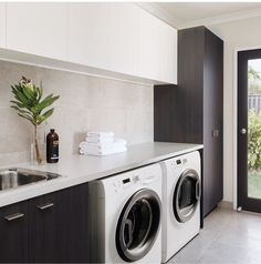 Black and white laundry room – Hauswirtschaftsraum – Wood Worck White Laundry Rooms, Modern Laundry Rooms, Laundry Room Shelves, Laundry Room Remodel, Laundry Room Organization, Laundry In Bathroom, Basement Laundry, Storage Shelves, Storage Ideas