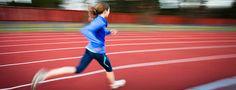 Notion centrale dans l'entraînement d'un runner, la VMA est la vitesse de course atteinte lorsque la consommation d'oxygène devient maximale. Son calcul permet principalement de déterminer les vitesses souhaitables à l'entraînement. Explications.