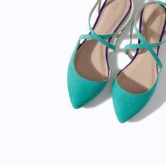 Ballerina Verde Acqua e Viola, con incrocio sul piede e apertura sul tallone. TRF by Zara 2014