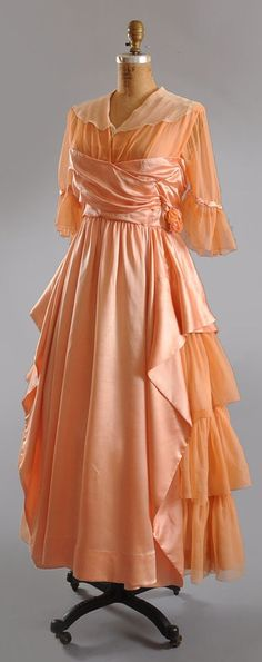 Tea Gown: ca. 1910, silk charmeuse, silk chiffon.