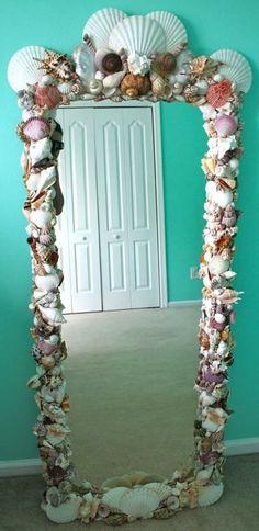 Awesome DIY shell mirror for a beach themed room Mermaid Beach, Mermaid Diy, Mermaid Scales, Ocean Beach, Mermaid Crafts, Mermaid Shell, Sea Bedrooms, Girls Bedroom, Bedroom Ideas
