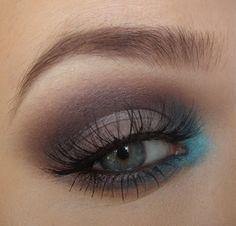 Different smokey eye