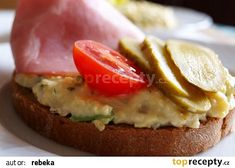 Pomazánka z míchaných vajíček s hermelínem recept - TopRecepty.cz Bagel, Hamburger, Sushi, Eggs, Menu, Treats, Cooking, Breakfast, Ethnic Recipes
