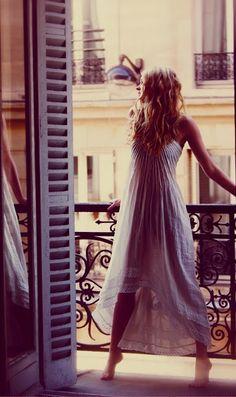 """innanför franska balkongdörrer: vikbara """"dörr-luckor"""""""