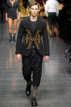 Dolce & Gabbana Men's Fall Winter Collection 2012-13 ドルチェ & ガッバーナ 2012-13 秋冬 メンズコレクション the house that equates to pure sexiness…..ahhhhhh (sigh)