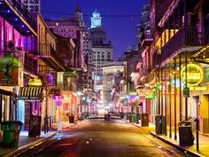New Orleans Bachelor Party Itinerary: Hotels, Restaurants and Activities | Photo by: Shutterstock | TheKnot.com