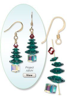 A great assortment of Christmas charms and beads for all your holiday jewelry making needs. Shop holiday colors and motifs, including Swarovski crystal and Almost Instant Jewelry components. Bead Crafts, Jewelry Crafts, Jewelry Ideas, Ornament Crafts, Ornaments, Yarn Crafts, Paper Crafts, Diy Crafts, Wire Jewelry