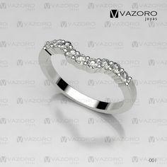 Churumbela en oro blanco de 14 o 18 kilates, que hace alianza en el anillo de compromiso.