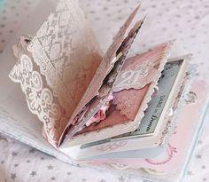 So pretty, shabby chic (a mini-scrapbook, maybe? Smash Book, Mini Albums, Mini Album Scrapbook, Diy Scrapbook, Vintage Scrapbook, Fabric Journals, Fabric Books, Art Journals, Album Book
