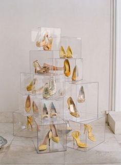 Como montar uma vitrine de roupas e calçados 9