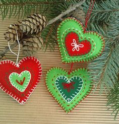 Sada 3 vánočních srdíček Dekorační srdíčka z plsti. Rozměry 6x7 cm Cena je za 3 kusy