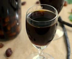 Nalewka Porterówka Liqueurs, Irish Cream, Frugal Living, Red Wine, Alcoholic Drinks, Recipe, Food, Liquor Drinks, Menudo Recipe