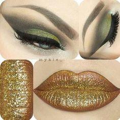 Ojos green labios gold
