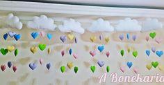 Chuva de AMOR. nuvens de feltro com gotas em formato de coração
