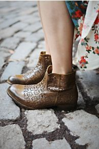 Ashlees Loves: These boots are made for walking info @ashleesloves.com #Bloom #AnkleBoot #boots #women's #fashion #footwear #style