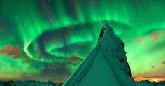 Ohromujúce! Vybrali sme pre vás 15 strhujúcich astronomických záberov odhaľujúcich krásy vesmíru. Pozrite si všetky na: http://www.dobrenoviny.sk/c/52508/15-strhujucich-astronomickych-zaberov-odhalujucich-krasy-vesmiru  #vesmír #space #universe #polárnažiara #aurora #greenaurora