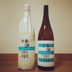 創業以来、変えていなかったラベルを、グラフィックデザイナーの浅葉克己氏により、青空をイメージしたものに一新。温めて燗酒にしても、冷酒でもおすすめできます。