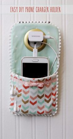 Best Sewing Projects to Make For Girls - Easy DIY Phone Charger Holder - Creativ. - Best Sewing Projects to Make For Girls – Easy DIY Phone Charger Holder – Creative Sewing Tutori - Beginner Sewing Projects, Cute Sewing Projects, Cool Diy Projects, Sewing For Beginners, Sewing Tutorials, Sewing Crafts, Sewing Tips, Sewing Hacks, Sewing Patterns
