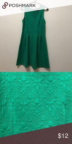 •grass green dress• Grass green, unworn, from Francesca's. Francesca's Collections Dresses Midi