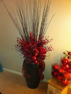 Black and Red Christmas Vase