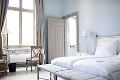 White bedroom by Becara, Madrid
