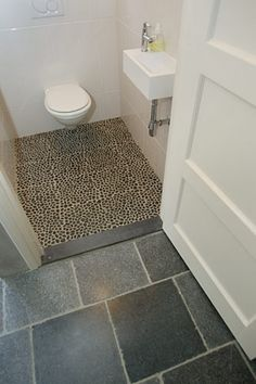 Portugese tegels voor toilet wooninspiratie interieur idee pinterest toilets and google - Tegelwand idee keuken ...
