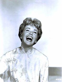 Doris Day. Love that smile!...
