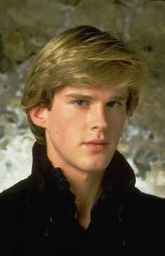 Cary Elwes in the film 1986 - Lady Jane Cary Elwes, Handsome Male Models, Lady Jane, Romance, Le Male, Falling In Love With Him, Raining Men, Good Looking Men, Gorgeous Men
