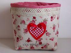 i cestini di stoffa in casa non bastano mai sono utilissimi per sistemare ogni cosa belli pratici cestini di stoffa porta pane in cucina o profumi in bagno
