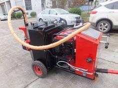 Repair the road cracks in the machinery