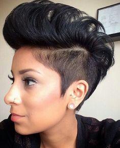 26 cortes de pelo Afro Sure-Fire: corte de cabello fresco Mohawk Styles, Curly Hair Styles, Natural Hair Styles, Short Afro Hairstyles, Pretty Hairstyles, Short Haircuts, Ladies Hairstyles, 2015 Hairstyles, Casual Hairstyles