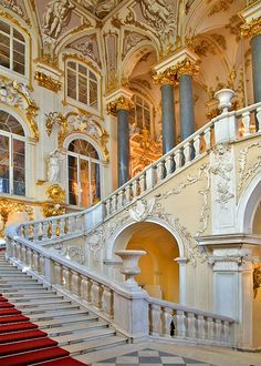 The Winter Palace, St. Petersburg, Russia Catherine the Great's winter palace was awesome! Summer palace was even more awesome! Winter Palace St Petersburg, St Petersburg Russia, Beautiful Architecture, Beautiful Buildings, Beautiful Places, Baroque Architecture, Ancient Architecture, Grande Cage D'escalier, Stairway To Heaven