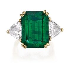 Gold, Emerald and Diamond Ring