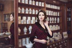 Pharmacy, Vintage Ladies, Vogue, Blazer, Portrait, Lady, Jackets, Women, Fashion