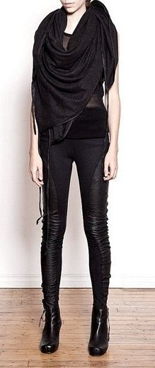 Check out the list of best biker faux leather pants you can rock in night club,disco. Grunge Goth, Dona Karan, Mode Steampunk, Apocalyptic Fashion, All Black Outfit, Black Outfits, Vogue, Dark Fashion, Look Cool