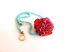 Necklace. Picoroco shell, acrylic, beads, silver, resin. Casa Kiro 2016