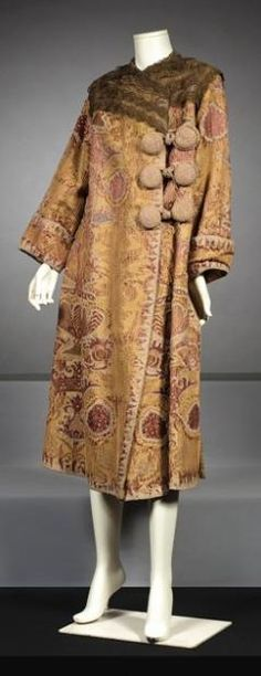 Jeanne Lanvin Paris 24 Faubourg St Honoré high fashion circa 1910 Coat