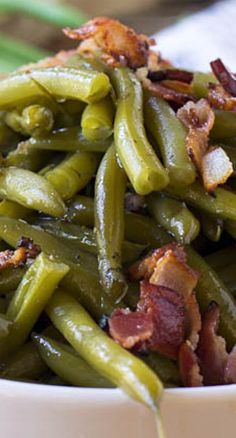 Southern-Style Green Beans _ Slow cooked in a bacon-infused broth until tender & soft. I'm always in for a home-cooked Southern vegetable. A whole plate of them is best! Vegetable Recipes, Side Dish Recipes, Green Beans With Bacon, Cooking Green Beans, Crockpot Green Beans, Ranch Green Beans, Frozen Green Beans, Canned Green Bean Recipes, Baked Green Beans