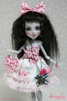 """Roses and Cream"" #Monster High Frankie Stein Repaint OOAK Custom Doll by Maigune www.wonderfinds.com/item/3_190835768317/c335/Monster-High"