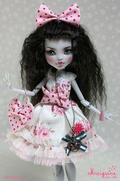 """Roses and Cream"" #Monster High Frankie Stein Repaint OOAK Custom Doll by Maigune www.wonderfinds.com/item/3_190835768317/c335/Monster-High"