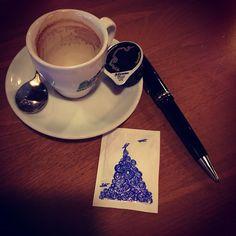 Quand on a plus de papier... et plus de café... #contemporary #contemporaryart #REN #art #artbyren #sucre #sugar #comingsoon