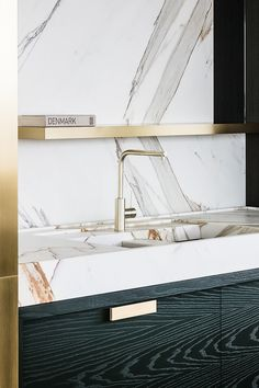 Integrated Marble Sink by Frederic Kielemoes | Photo by Cafeine