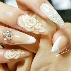 mynails💅 左手作✏ #my#mynails #セルフ#セルフネイル #self#selfnail #3d#3dネイル #3dflower#flower#flowernails #アンティークネイル #アンティーク調 #レースネイル#バーチャルフレンチ#antique#swarovski #スワロフスキー#ネイル#ネイルアート#nail#nailsart#nailsdesign#instanails#lovenails#longnails