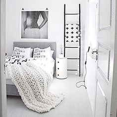 Looking forward to checking out the Melbourne trade show today! This scandi style bedroom is from the amazing home of Monochrome Bedroom, Minimal Bedroom, Interior Minimalista, The Way Home, New Beds, Home Bedroom, Bedrooms, White Rooms, Scandinavian Home