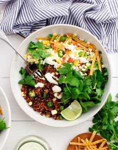 Taco Bowls with Cucumber Jalapeño Ranch Recipe. Perfect for a good Mexican food recipe, weeknight dinner, of healthy Buddha bowl.