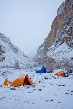 Camping during Zanskar Winter Chadar Trek. www.iExperience.in