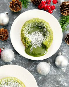 Matcha Green Tea Molten Lava Cakes   Find more stuff: www.victoriasbestmatchatea.com