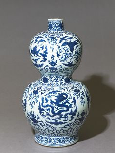 Blue-and-white vase in double-gourd form, Ming Dynasty, Jiajing Mark and Period (1522 – 1567)