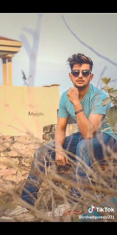 ���������������� Punjabi Boys, Favorite Person, My Favorite Things, Swag Boys, Nail Growth, Famous Singers, Dream Big, My Heart, Bass